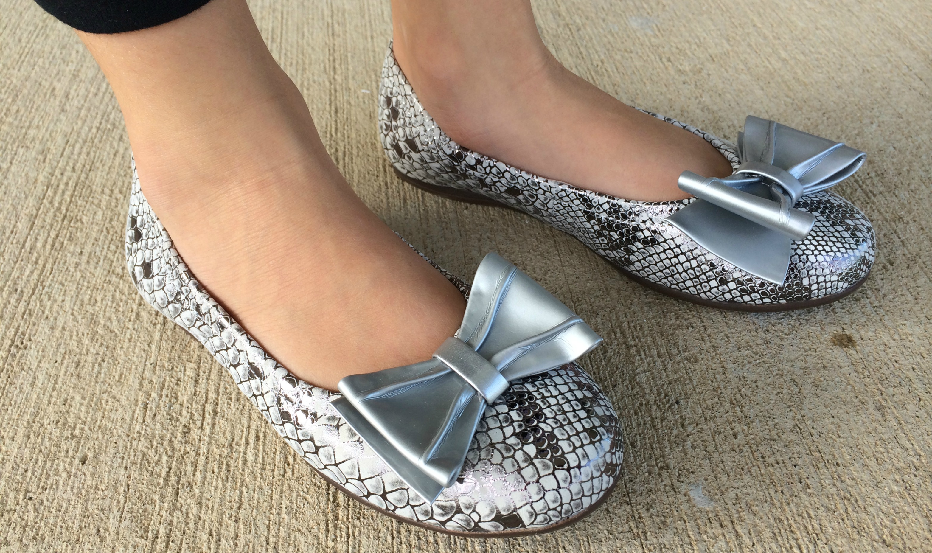 Fall Fashion Venettini Flats For Girls Giveaway