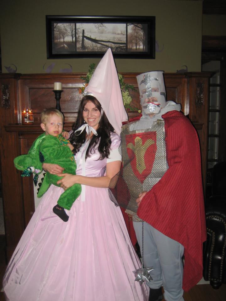 Halloween costume ideas coupons halloween creepstakes 305375101504315534257091989676058n solutioingenieria Gallery