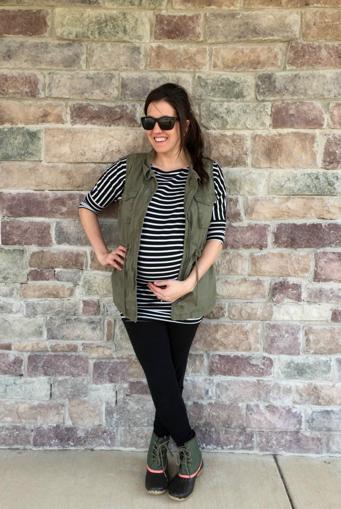 Duck Boots Outfit For Spring - Momma In Flip Flops