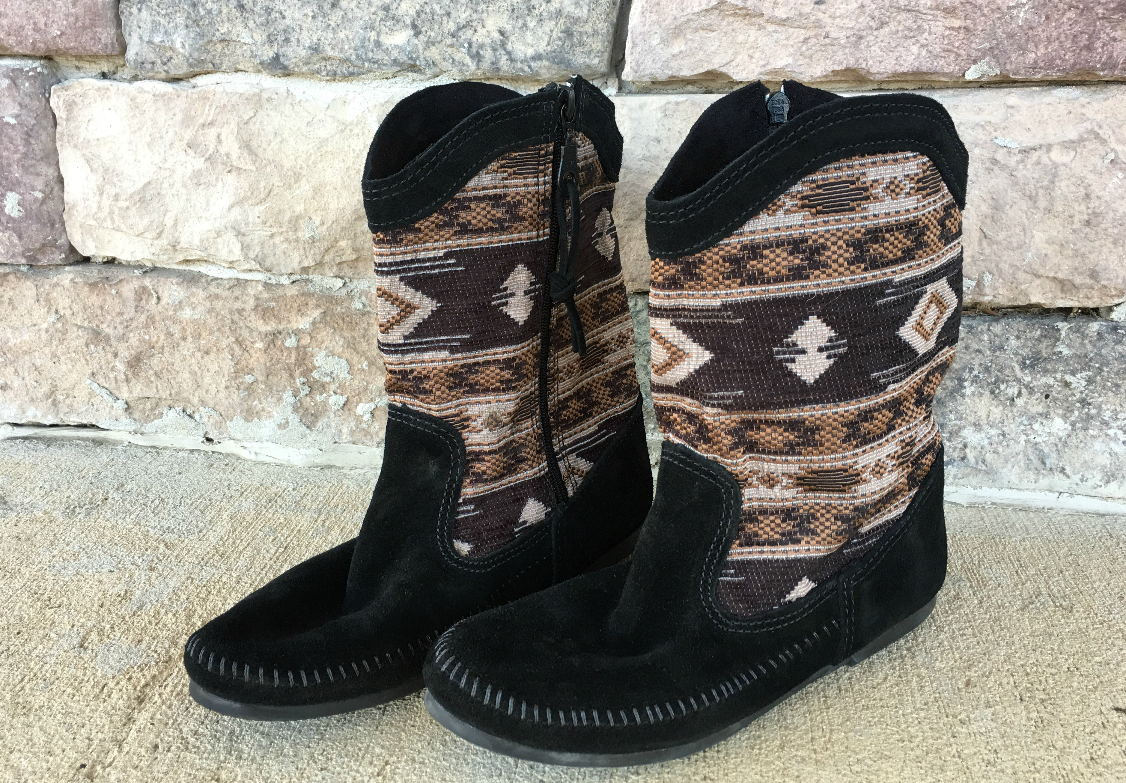 tapestry boots at northstyle momma in flip flops