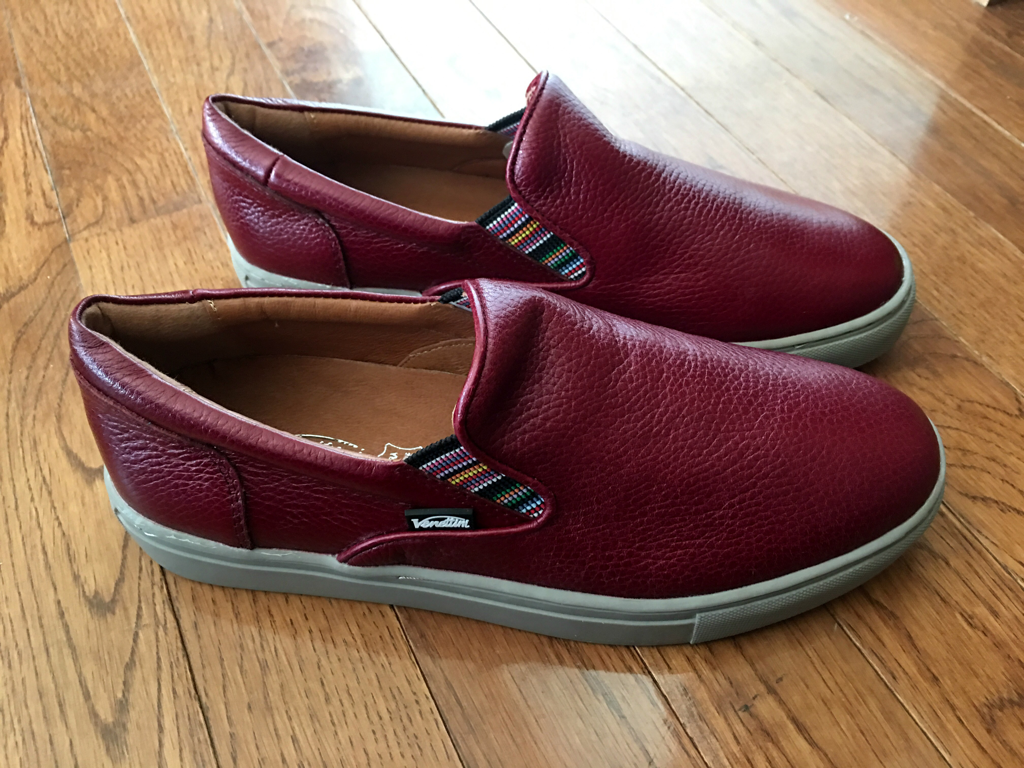 Wholesaler, Importer, and Exporter of High Quality Wholesale Shoes for Women, Men, and Children. Our footwear brand EasyUSA, Wave. includes canvas shoes, water shoes, sandals, House Slipper, Leather boots, Rain boots. and many more styles.