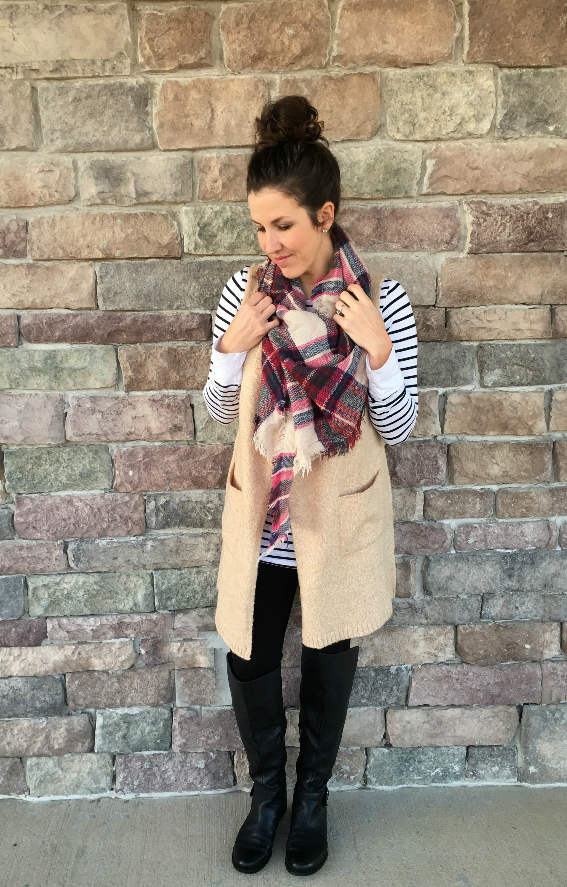 c4f87a6a0007e4 5 Ways to Style a Striped Shirt - momma in flip flops