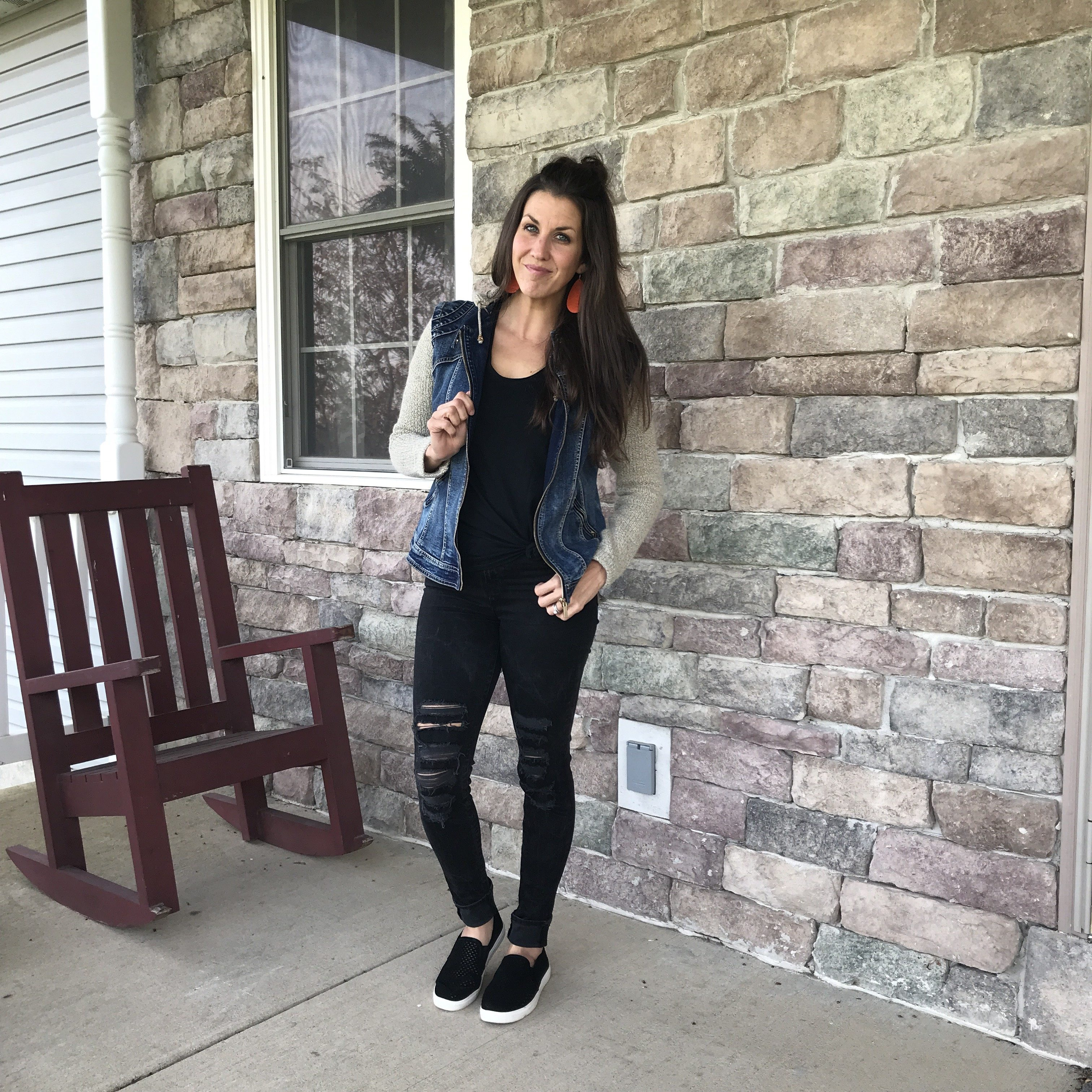f1e58b25e0a9 Real Mom Style  Why I Love Ripped Jeans for Women - momma in flip flops